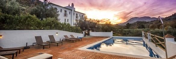 Alojamiento rural con piscina Cordoba Andalucia