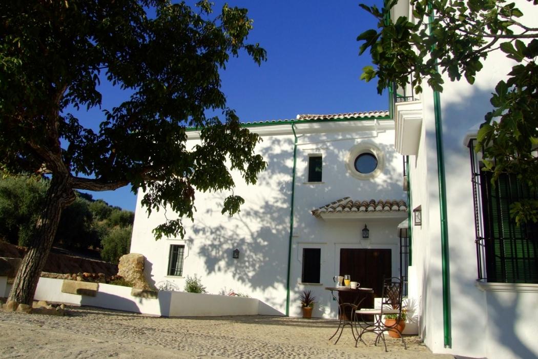 Hostales de espa a galer a de casa olea hoteles con for Hoteles con piscina climatizada en andalucia