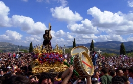 Experience the emotive religious processions of Semana Santa (Easter) in Priego de Córdoba.