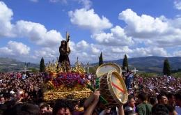 Experience the emotive religious processions of Semana Santa (Easter) in Priego de Córdoba.