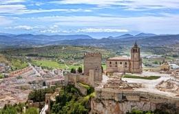 Casa Olea hotel Subbetica Andalucia Alcala La Real fort