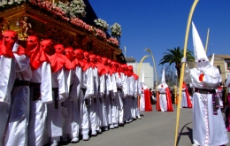 Casa Olea guesthouse Andalucia easter week processions