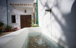 Casa Olea B & B Andalusien Eingangsbrunnen