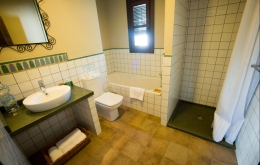 Casa Olea small hotels Andalucia bath and shower