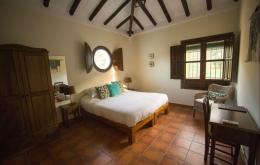 Casa Olea Boutique Hotels Andalusien Zimmer mit Holzbalken