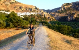 The region around Casa Olea is ideal for outdoor activities, from walking or mountain biking to horse riding.